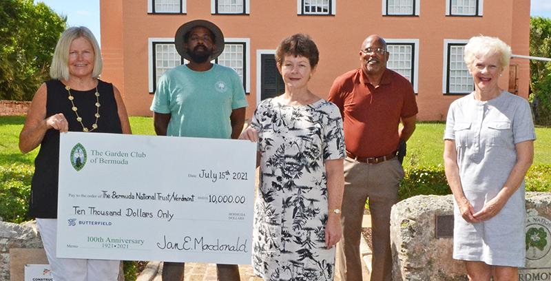 Garden Club Of Bermuda Donates To BNT July 2021