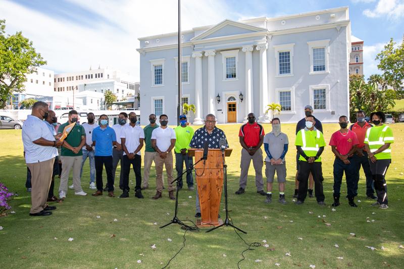Minister David Burch Certificate Presentation Bermuda July 2021 (1)
