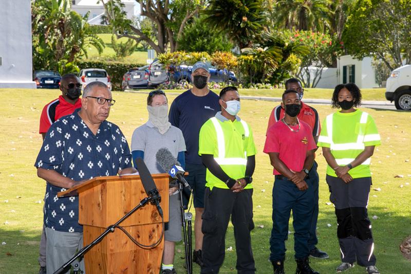 Minister David Burch Certificate Presentation Bermuda July 2021 (2)