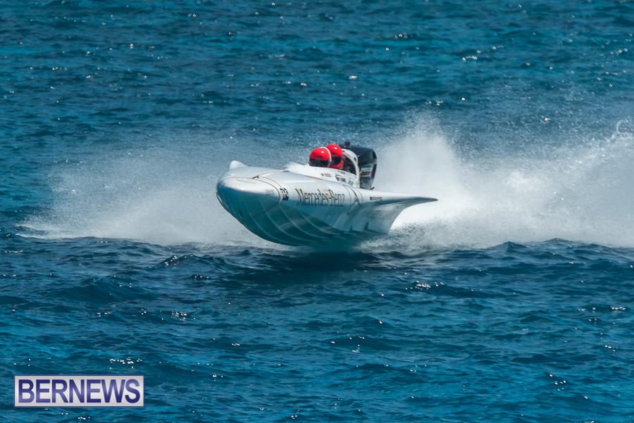 2021-Bermuda-Around-the-Island-power-boat-race-JM-1
