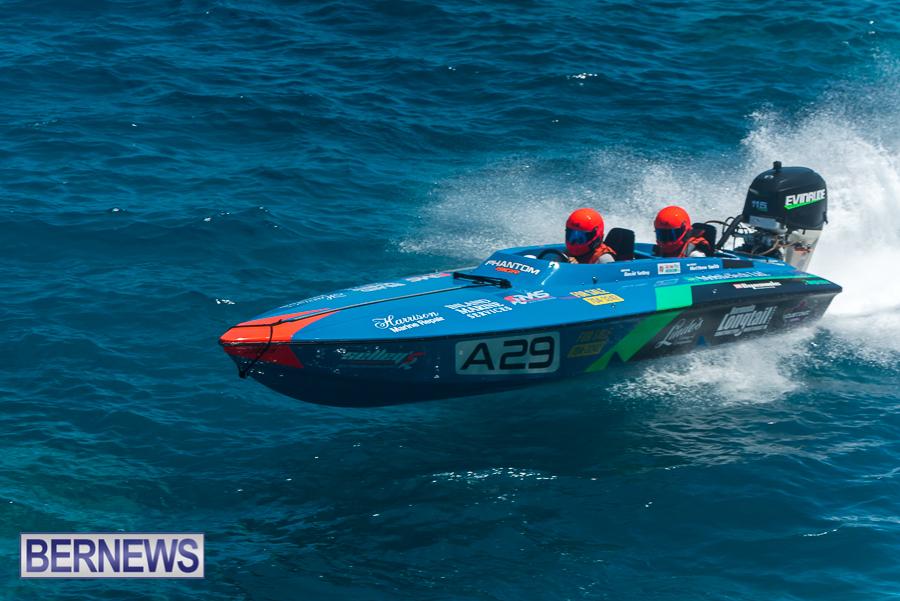2021-Bermuda-Around-the-Island-power-boat-race-JM-10