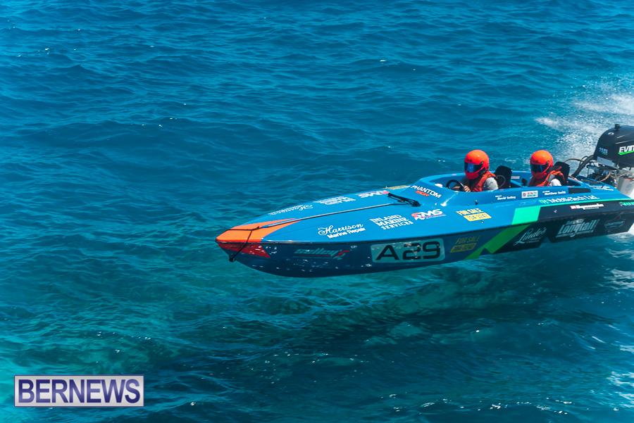 2021-Bermuda-Around-the-Island-power-boat-race-JM-11