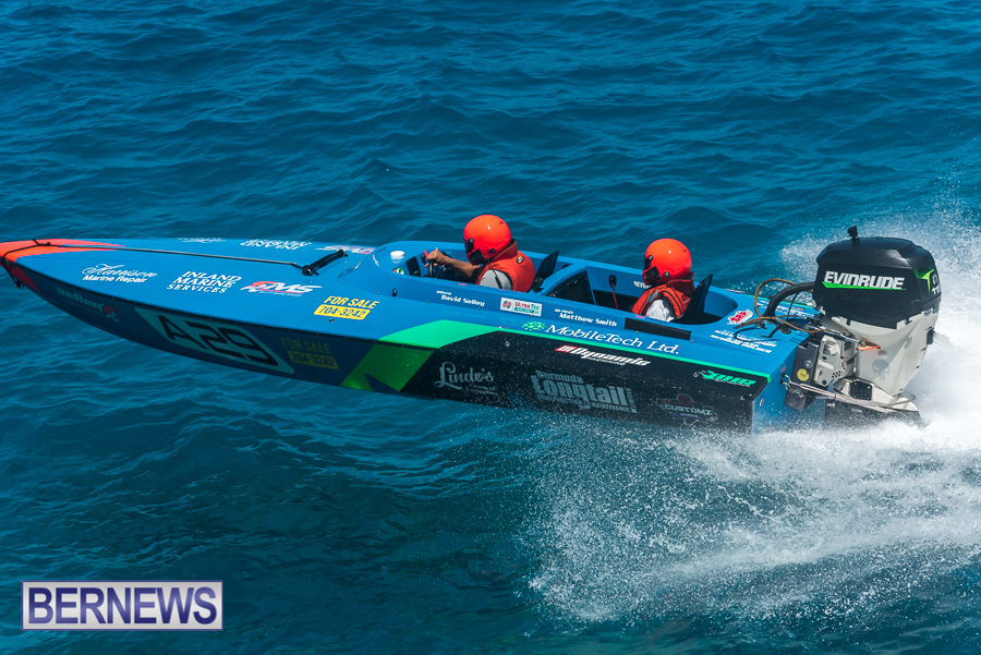 2021-Bermuda-Around-the-Island-power-boat-race-JM-16