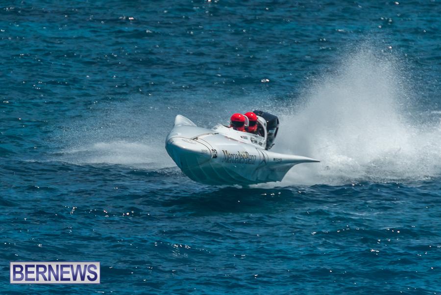 2021-Bermuda-Around-the-Island-power-boat-race-JM-2
