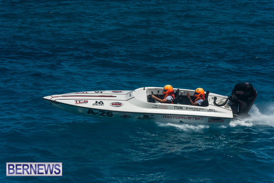 2021-Bermuda-Around-the-Island-power-boat-race-JM-25