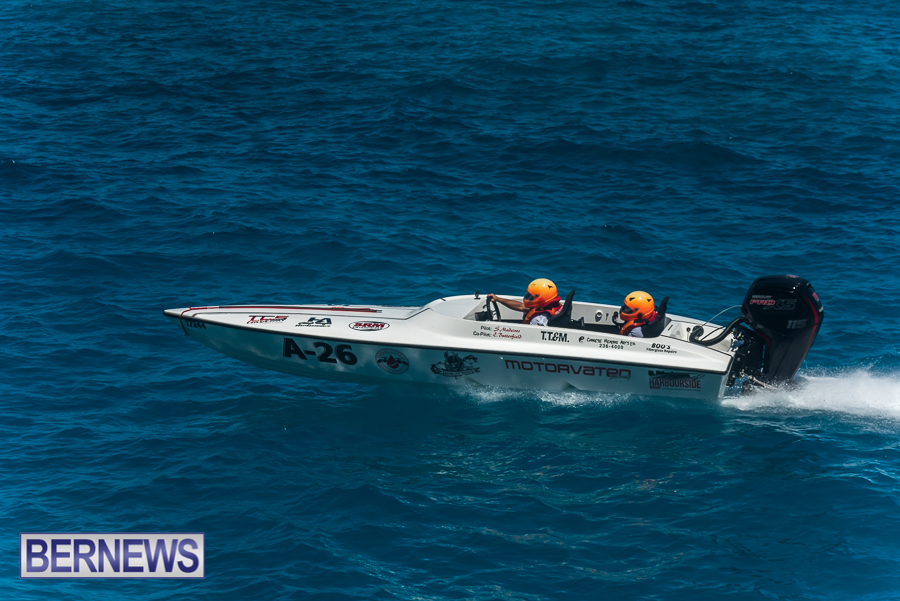 2021-Bermuda-Around-the-Island-power-boat-race-JM-27