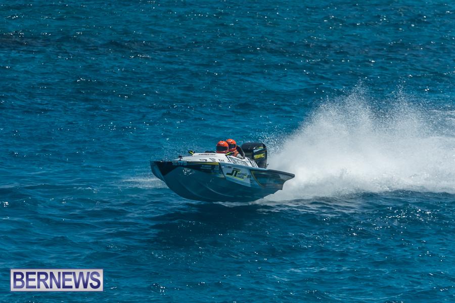 2021-Bermuda-Around-the-Island-power-boat-race-JM-37
