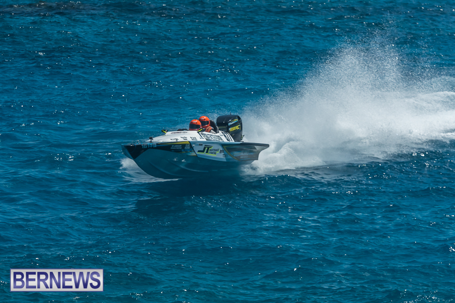 2021-Bermuda-Around-the-Island-power-boat-race-JM-38