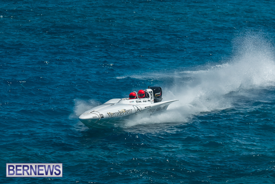 2021-Bermuda-Around-the-Island-power-boat-race-JM-4