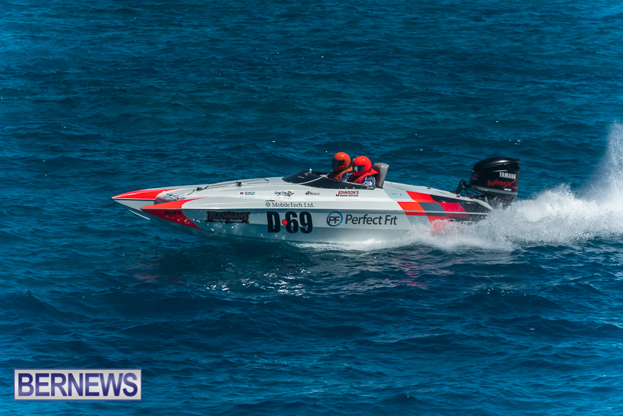 2021-Bermuda-Around-the-Island-power-boat-race-JM-77