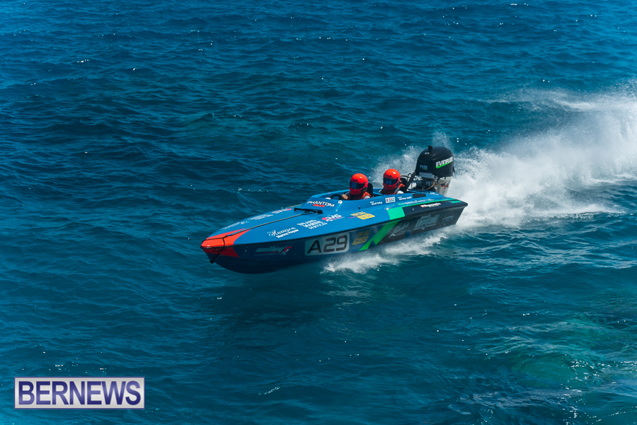 2021-Bermuda-Around-the-Island-power-boat-race-JM-9