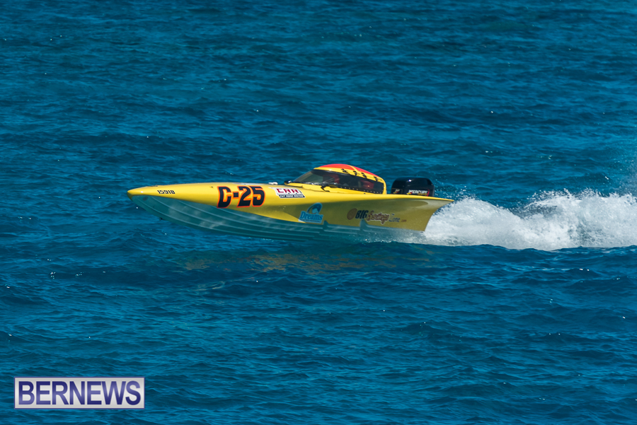 2021-Bermuda-Around-the-Island-power-boat-race-JM-91