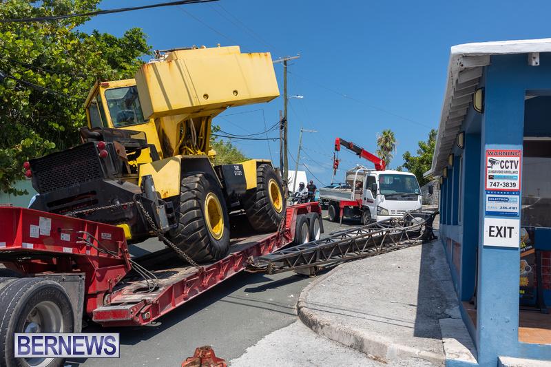 Crane Crashes Bermuda Aug 2021 2