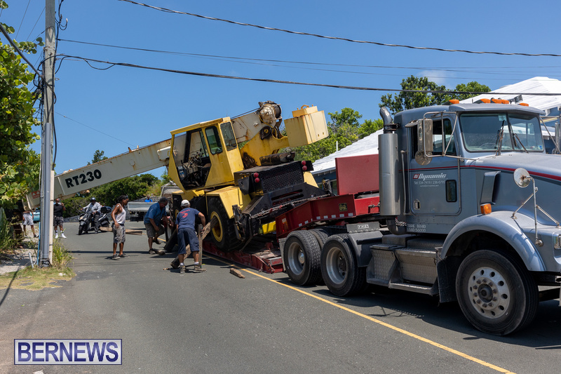 Crane Crashes Bermuda Aug 2021 3