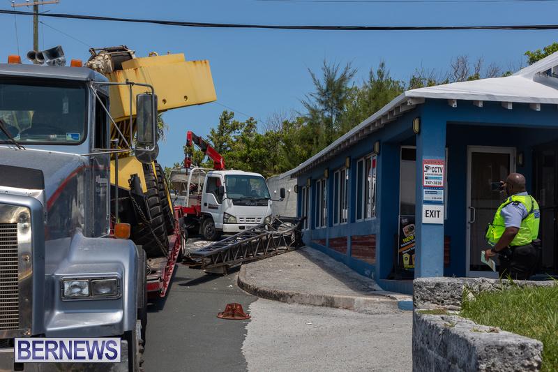 Crane Crashes Bermuda Aug 2021 4