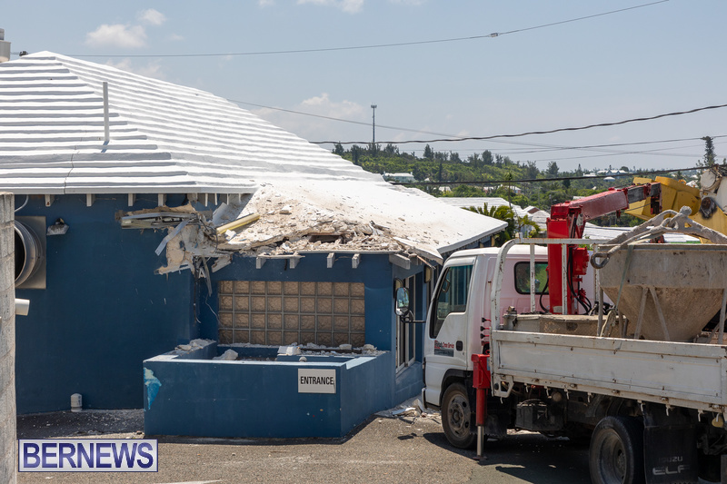 Crane Crashes Bermuda Aug 2021 5