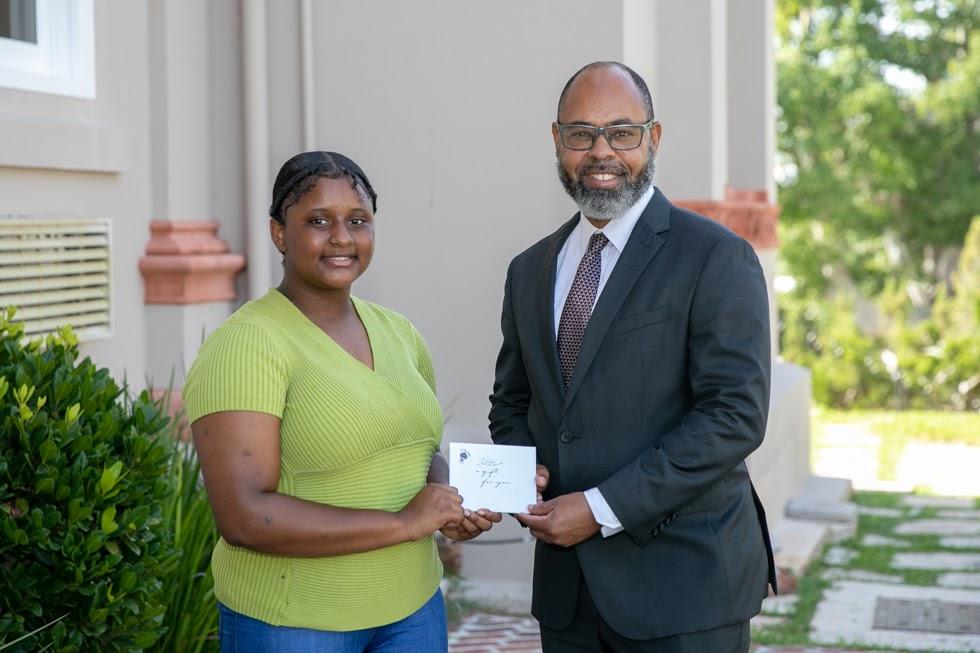 Minister Peets With Alay Burgess Bermuda Aug 2021