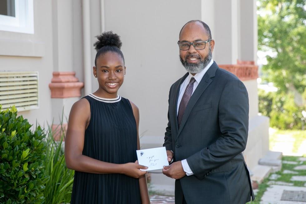 Minister Peets With Emancipation Essay Contest Winner Bermuda Aug 2021 3