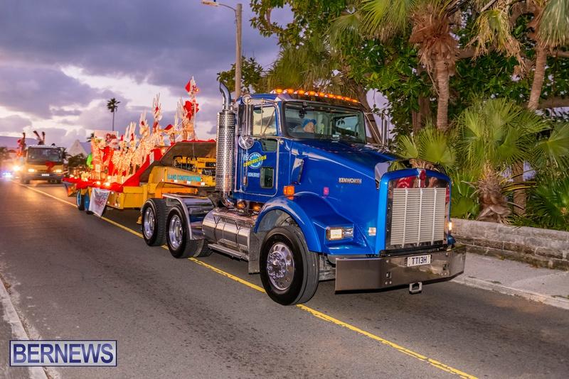 2020 Bermuda Christmas Parade Marketplace JS (11)