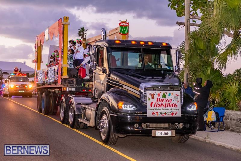 2020 Bermuda Christmas Parade Marketplace JS (4)