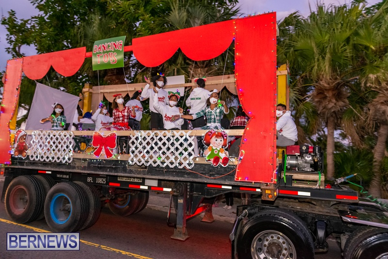 2020 Bermuda Christmas Parade Marketplace JS (5)
