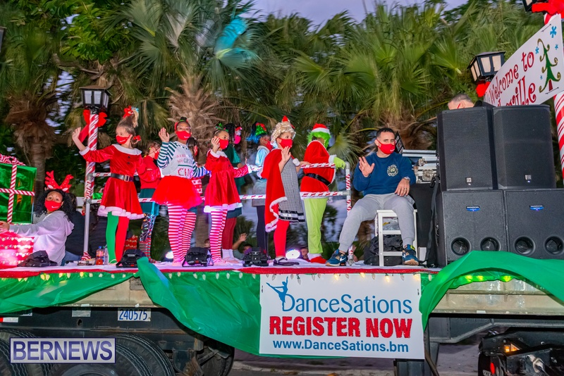2020 Bermuda Christmas Parade Marketplace JS (8)