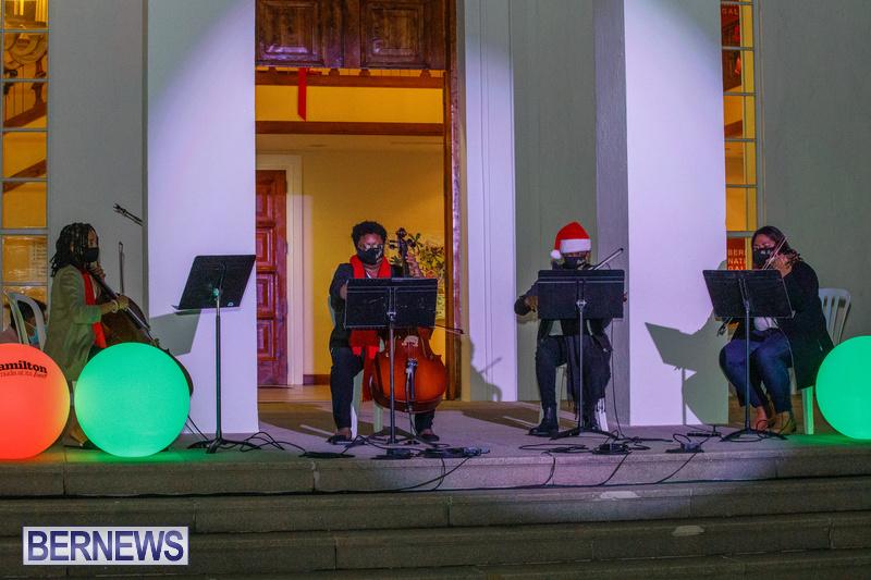 Bermuda City Hall tree lighting November 2020 (3)