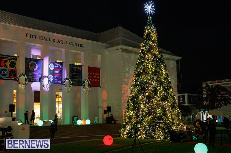 Bermuda City Hall tree lighting November 2020 (7)