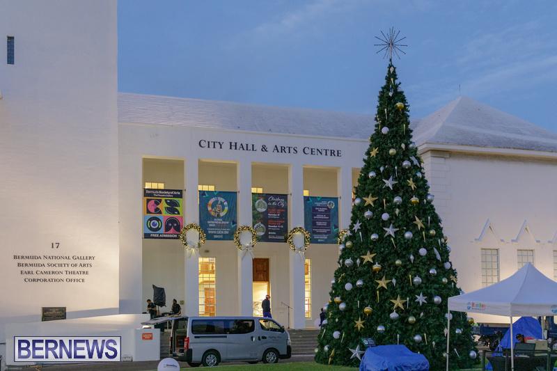 Bermuda City Hall tree lighting November 2020 (9)