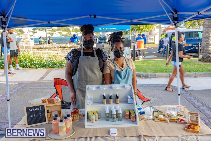2021 Bermuda Harbour Nights July 21 DF Front Street Hamilton shopping (10)