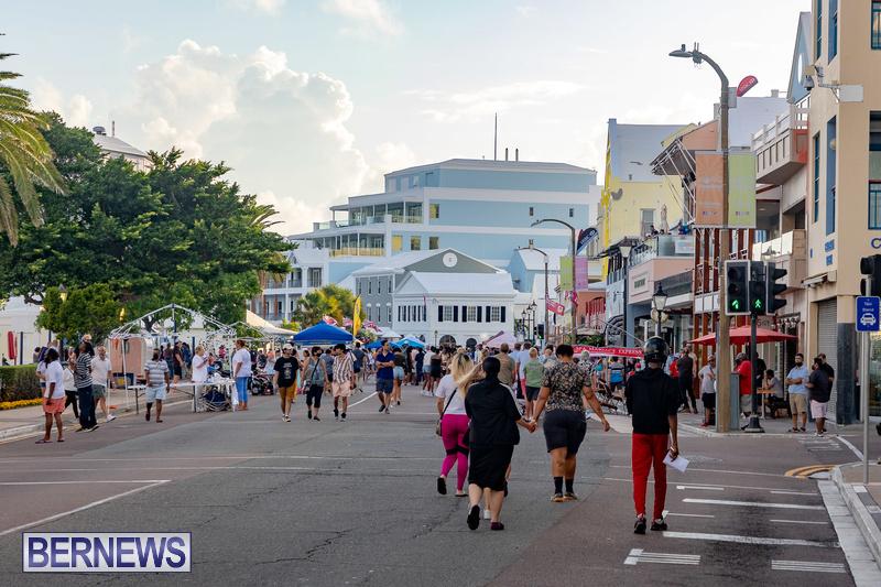 2021 Bermuda Harbour Nights July 21 DF Front Street Hamilton shopping (33)