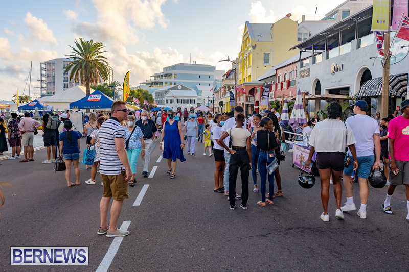 2021 Bermuda Harbour Nights July 21 DF Front Street Hamilton shopping (35)
