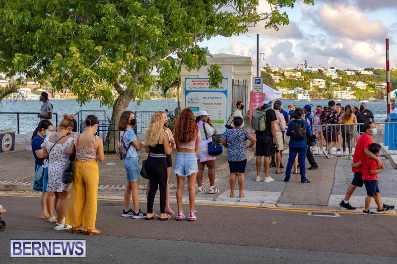 2021 Bermuda Harbour Nights July 21 DF Front Street Hamilton shopping (36)