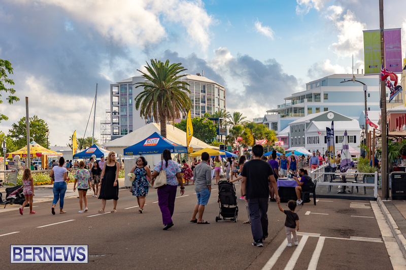 2021 Bermuda Harbour Nights July 21 DF Front Street Hamilton shopping (4)