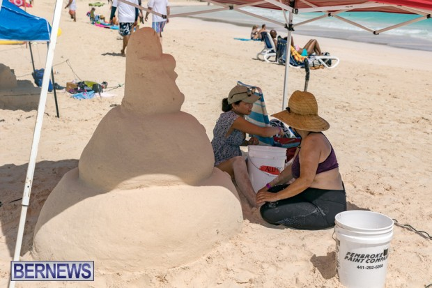 2010 Bermuda Sandcastle Contest Sept 21 Bernews DF (19)