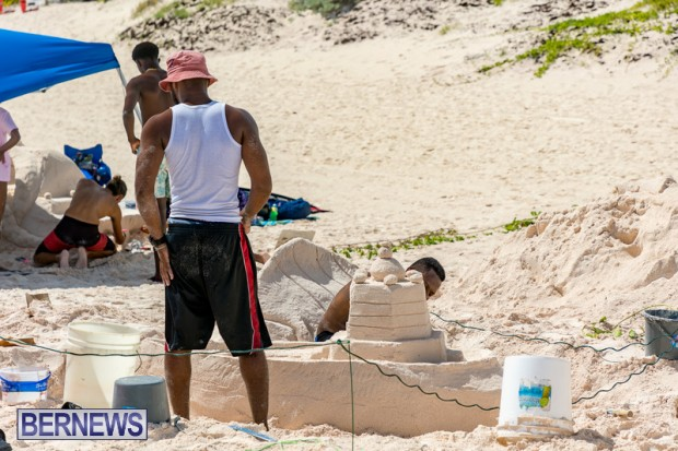 2010 Bermuda Sandcastle Contest Sept 21 Bernews DF (42)